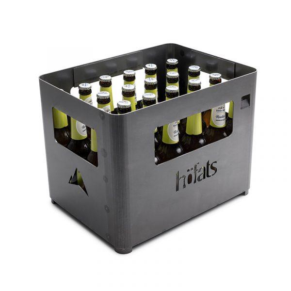 Höfats Beer Box fylld av ölflaskor med grön etikett